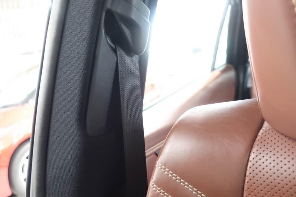 ハリアー 運転席シートベルト