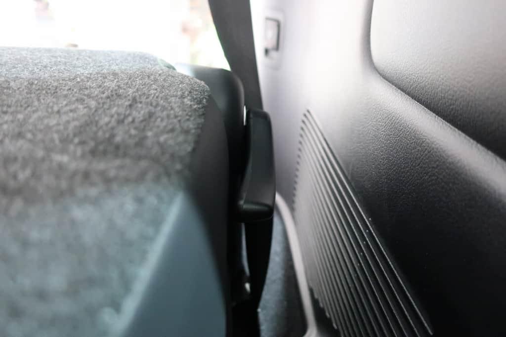 ランドクルーザー サードシート リクライニングレバー