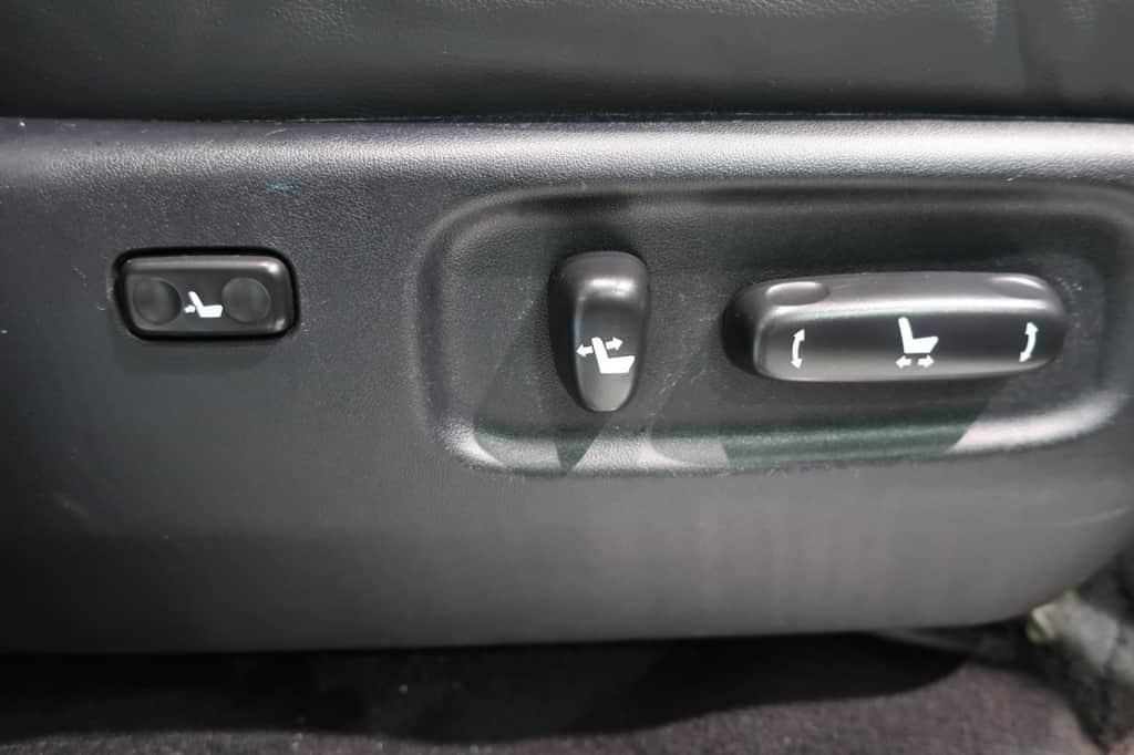 ランドクルーザー 運転席パワーシートスイッチ