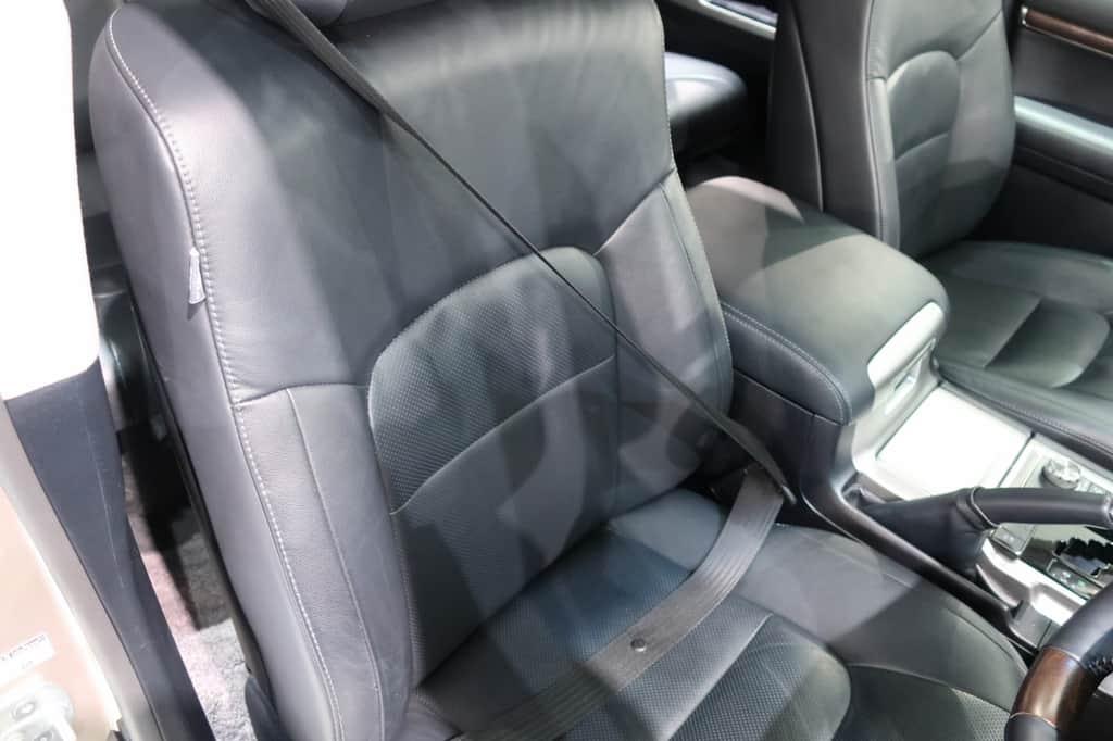 ランドクルーザー 運転席シートベルト