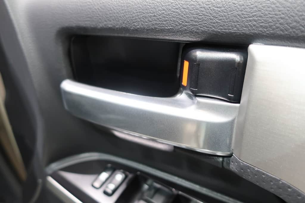 ランドクルーザー 運転席インナーハンドル