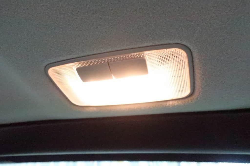 ランドクルーザープラド サードシート 室内灯