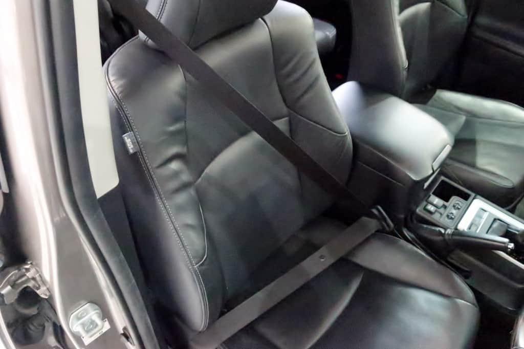 ランドクルーザープラド 運転席シートベルト