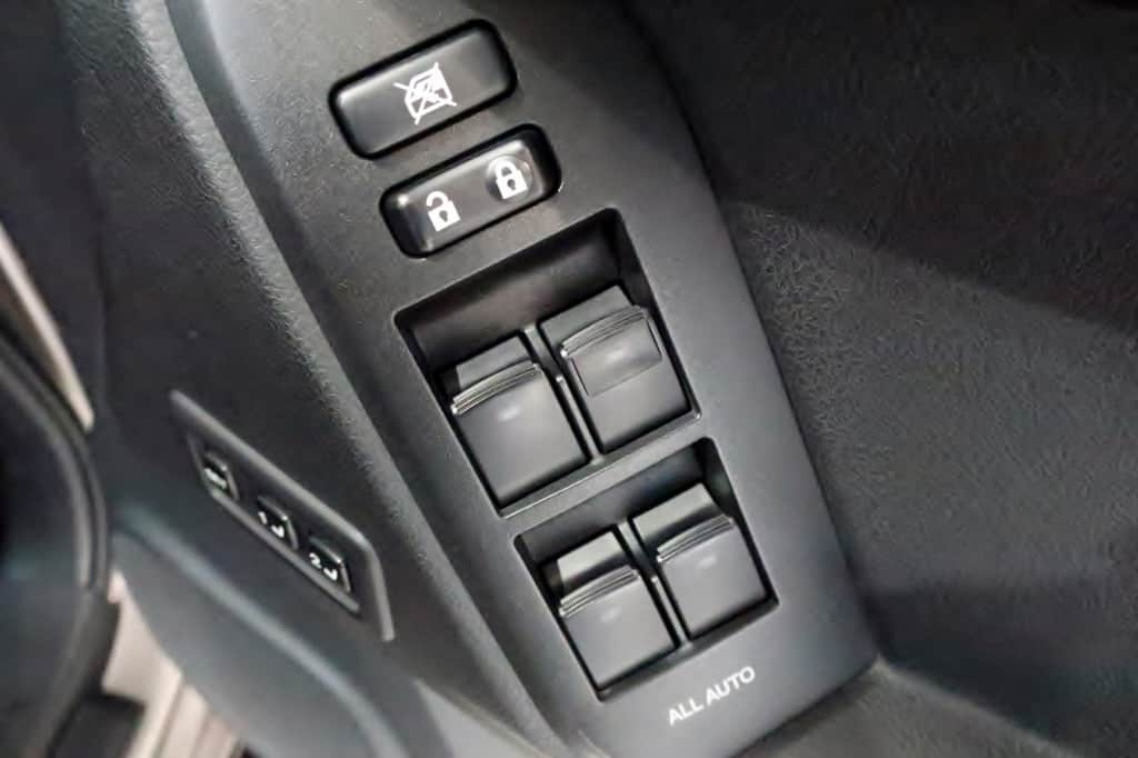 ランドクルーザープラド 運転席ドアロック、パワーウィンドウスイッチ