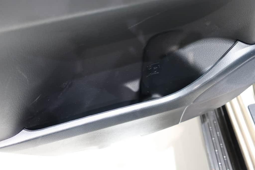 ランドクルーザー 後部座席ドアポケット