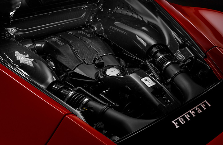F8 エンジン