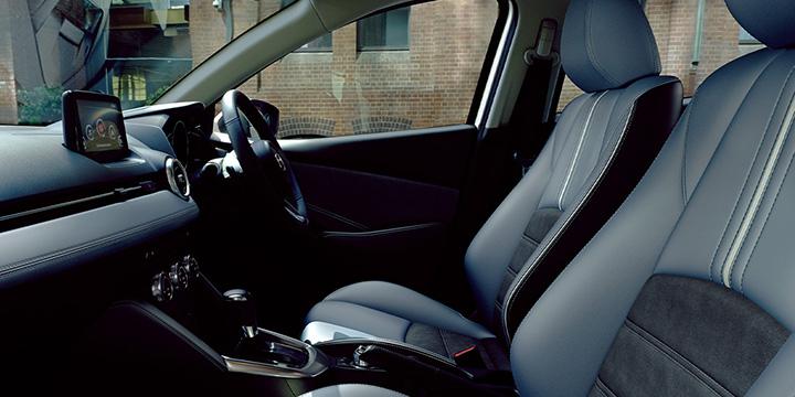 マツダ2 運転席6Wayパワーシートアドドライビングポジションメモリー機能