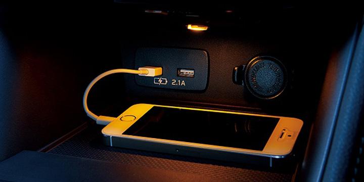 インプレッサG4 USB