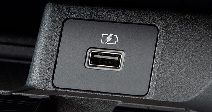 デイズ USB