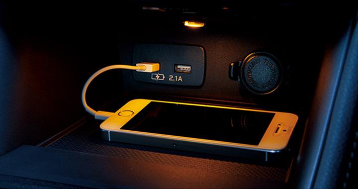 インプレッサスポーツ USB