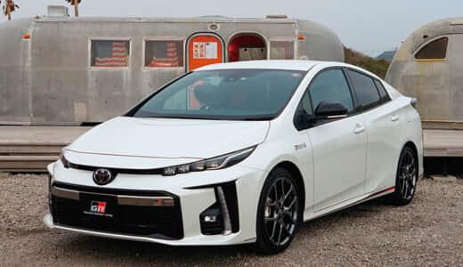プリウスPHV GRスポーツと標準モデルの違い7つ!燃費・評価も比較!